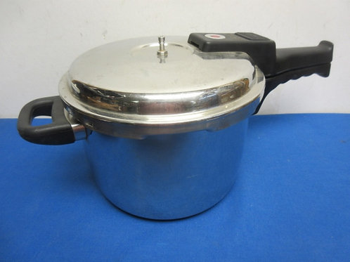 Presto stainless manual pressure cooker