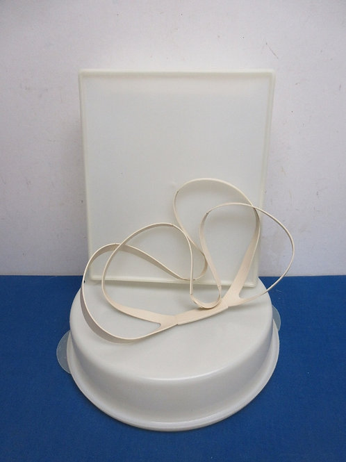 """Pair of containers for cakes or pies 9x11x3""""hi & round 11""""diax3""""hi, one handle f"""