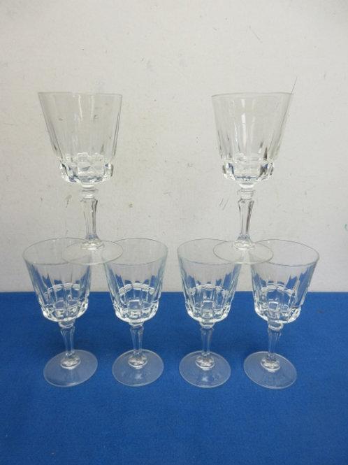 Set of 6 stemmed wine glasses