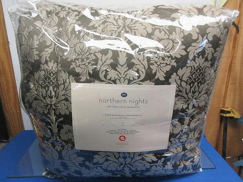 Northern Lights 7 pc queen reversible comforter set - brand new