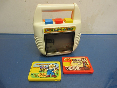 Vintage Tom-bring along a song toy, cassette player with two cassettes