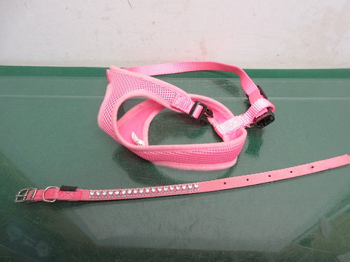 Set of 2 small dog items, pink small dog leash and harness