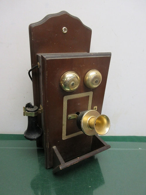 Antique hand crank decorative wall phone
