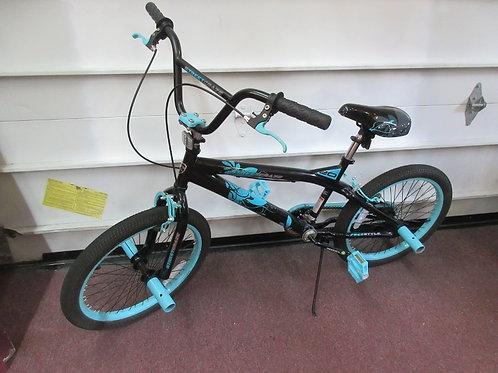 "Street Craze aqua and black 20"" girls bike"