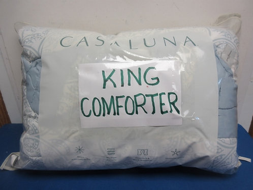 King size gray and white comforter