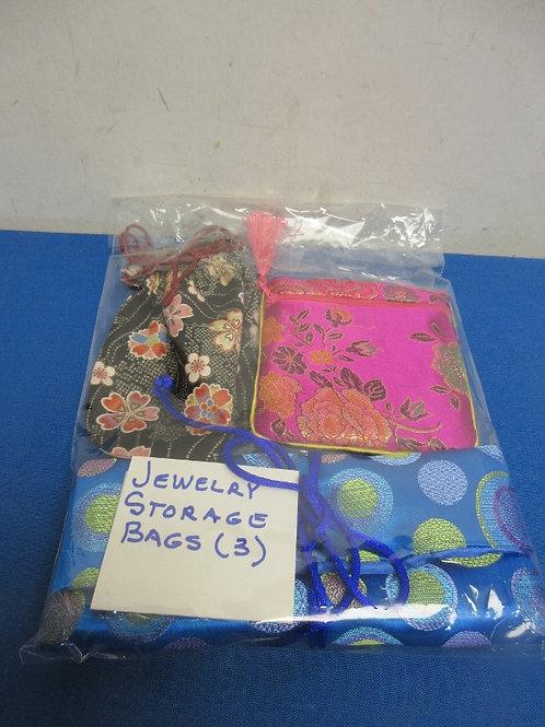 Set of 3 jewelry storage bags