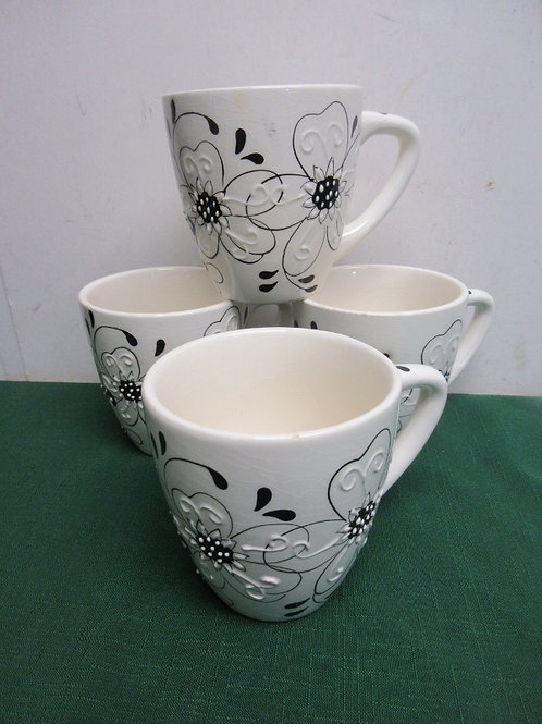 Set of 4 large mugs with black & white floral design