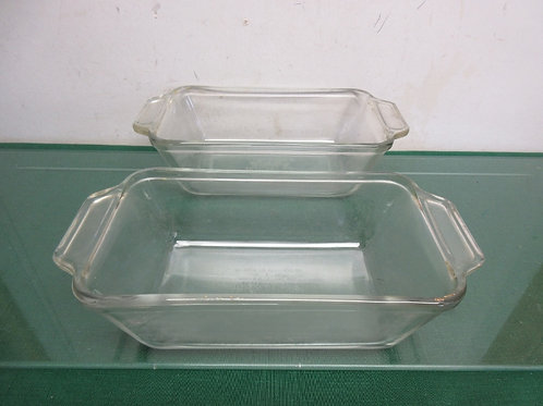 Pair of anchor hocking glass loaf pans