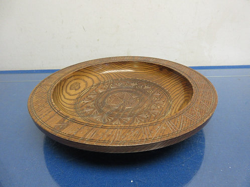 """Carved wooden bowl 10"""" dia"""