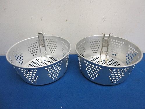 Pair of new aluminum fryer insert baskets w/handles
