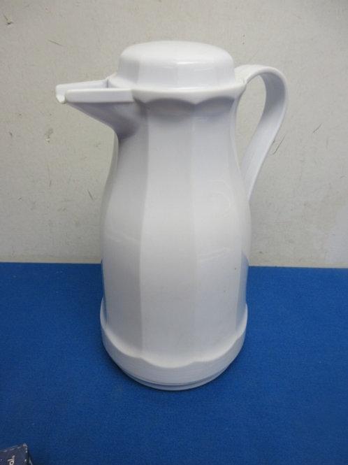 White hot beverage carafe
