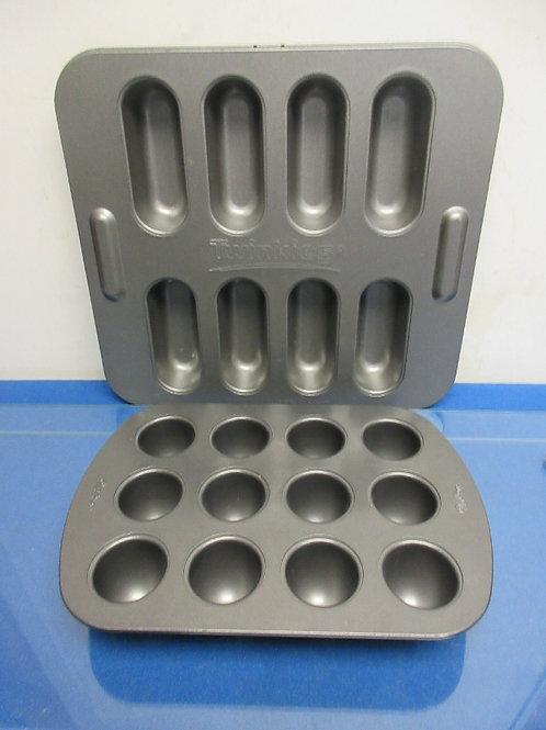 "Non stic ""Twinkie"" baking pan & Wilton egg shaped cake pan"