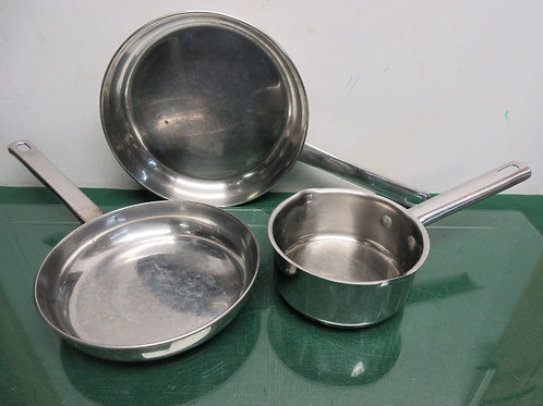 """Stainless Steel 3pc cookware se, 10""""fry pans, 8"""" fry pan and 1 qt sauce pan"""