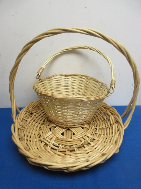 Pair of baskets with handles