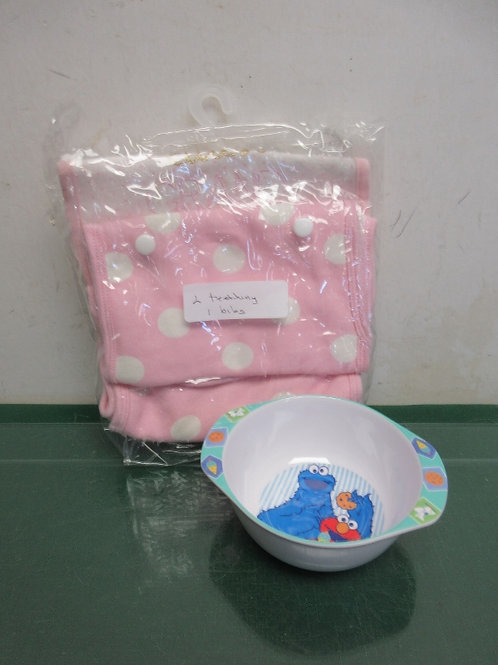 Baby bowl and baby bibs - new