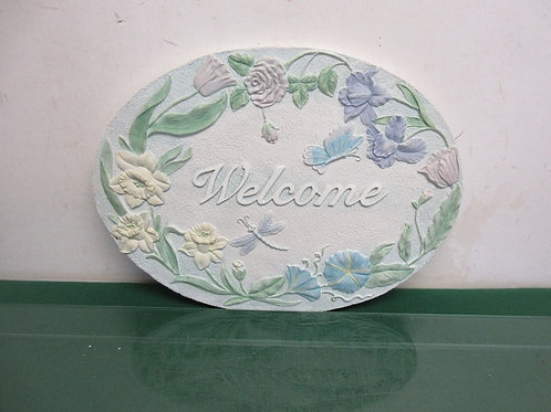 """Oval resin welcome wall hanging 10x13"""""""
