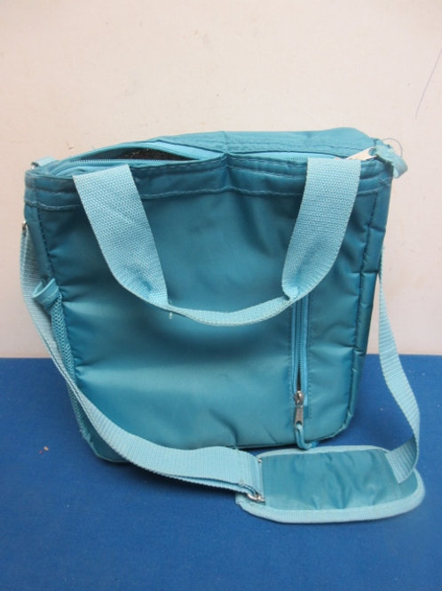 Blue soft sided insulated lunch bag