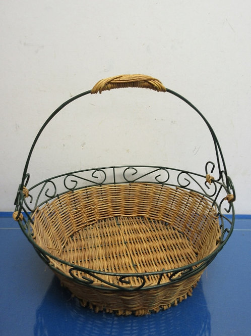 "Metal and wicker basket with handle 12x13x5""deep"