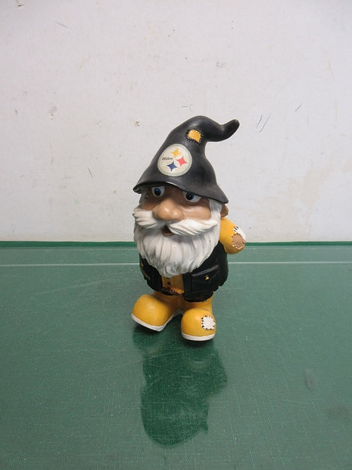 Small Steeler gnome with his hands in the back