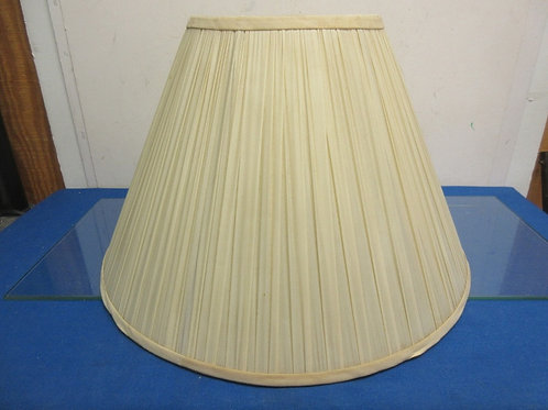 "Beige pleated lamp shade - 13"""