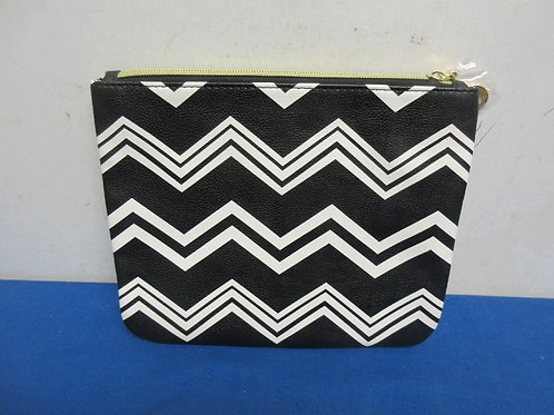 Black and white Betseyville clutch