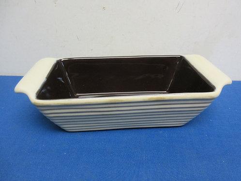 Tastefully Simple glazed stoneware loaf pan - tan w/ribbed design