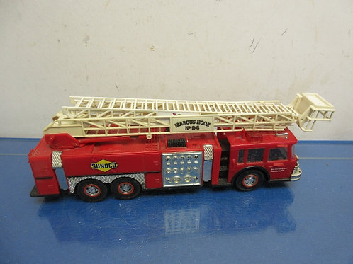 "Vintage Sunoco fire truck, hook n ladder, 14"" long, Doesn't make noise"