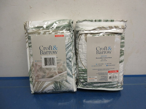 Pair of Croft and Barrow reversible shams, palmetto design, New in Pkg
