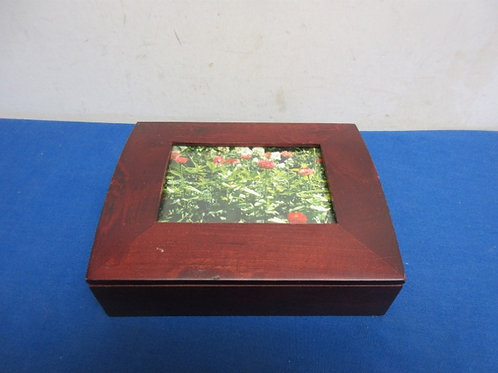 Small wood jewelry box with picture slot in lid