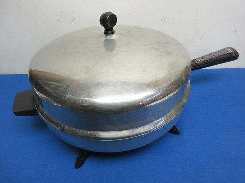 Farberware round stainless electric fry pan