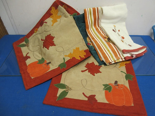 """Fall theme table runner 54"""" long and 3 fall theme hand towels, New"""