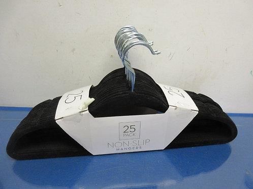 Kenton Grey 25 pack of non slip hangers, New in package