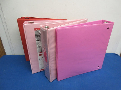 """Set of 4 binders, 2.5"""", shades of pink and red"""