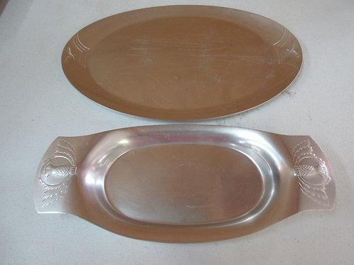 Pair of Kennsington Aluminum platters, one small, one large