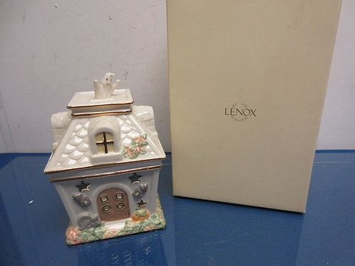 Lenox occasions haunted house covered candy dish, in box