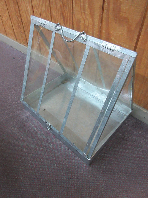 """Small galvanized steel and plexiglass green house with lift up door, 16x21x20"""""""