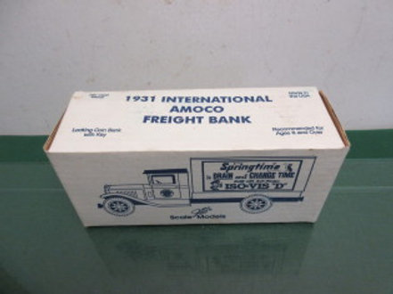 Standard oil Springtime 1931 interatnational amaco freight bank - die cast metal