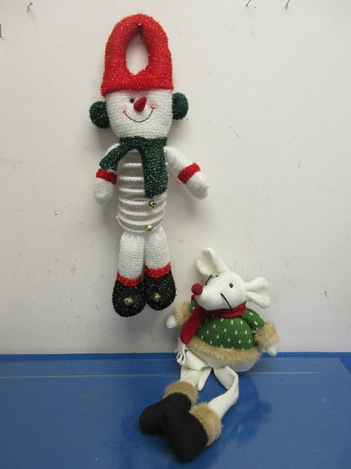 Set of 2 holiday stuffed dolls, snowman doorknob accent and sitting mouse