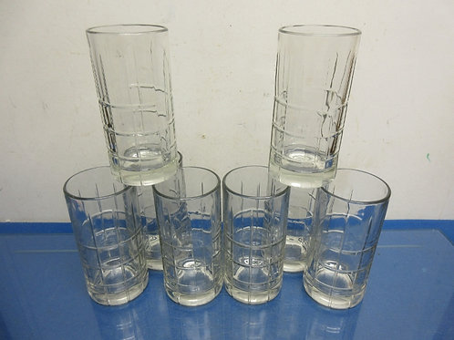 Set of 8 heavy base glass tumblers with square design