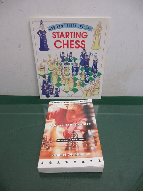 Set of 2 chess books, chess for juniors and starting class