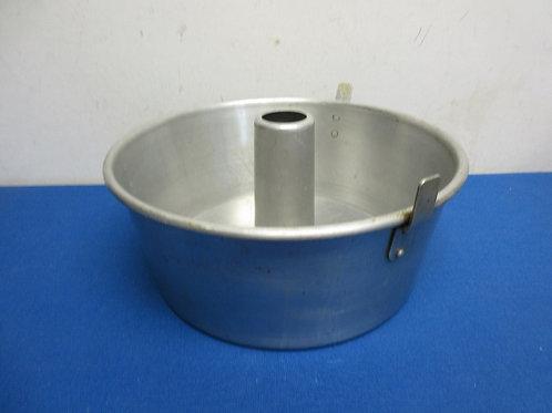 Aluminum 2 pc angel food cake pan