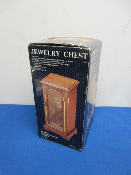 Table top jewelry chest