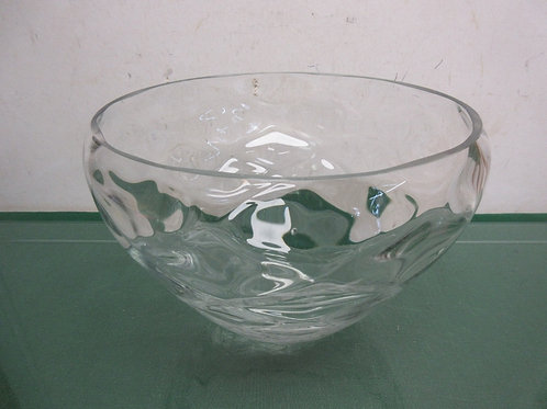 "Large glass serving bowl - 9""x 7"""