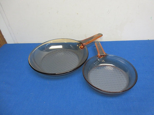 """Pair of brown vision corning glass frypans - 7"""" and 10"""" no lids"""