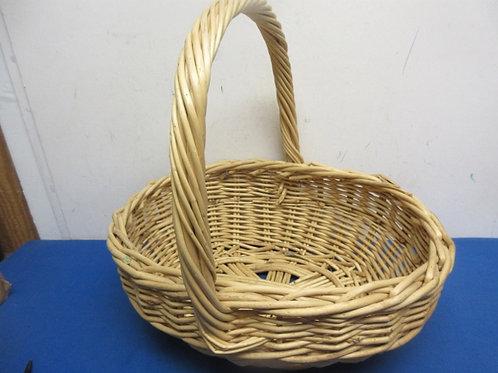 Oval woven twig basket with handle 12x15x6