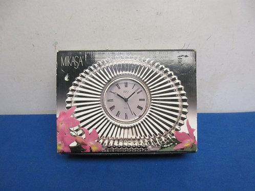 Mikasa crystal mantle clock