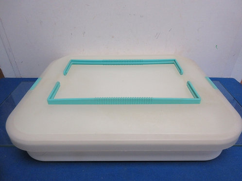 Large plastic rectangular cake holder with snap on lid-15x18x3""