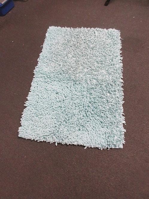 """Aqua rubber back bath rug, 20x33"""""""