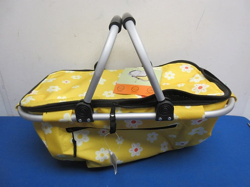 Soft sided basket cooler with aluminum handles
