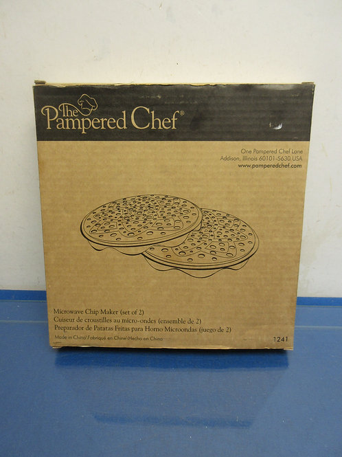 Pampered Chef microwave chip maker, set of 2 in box